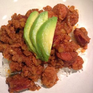 30-minute chili with avocado