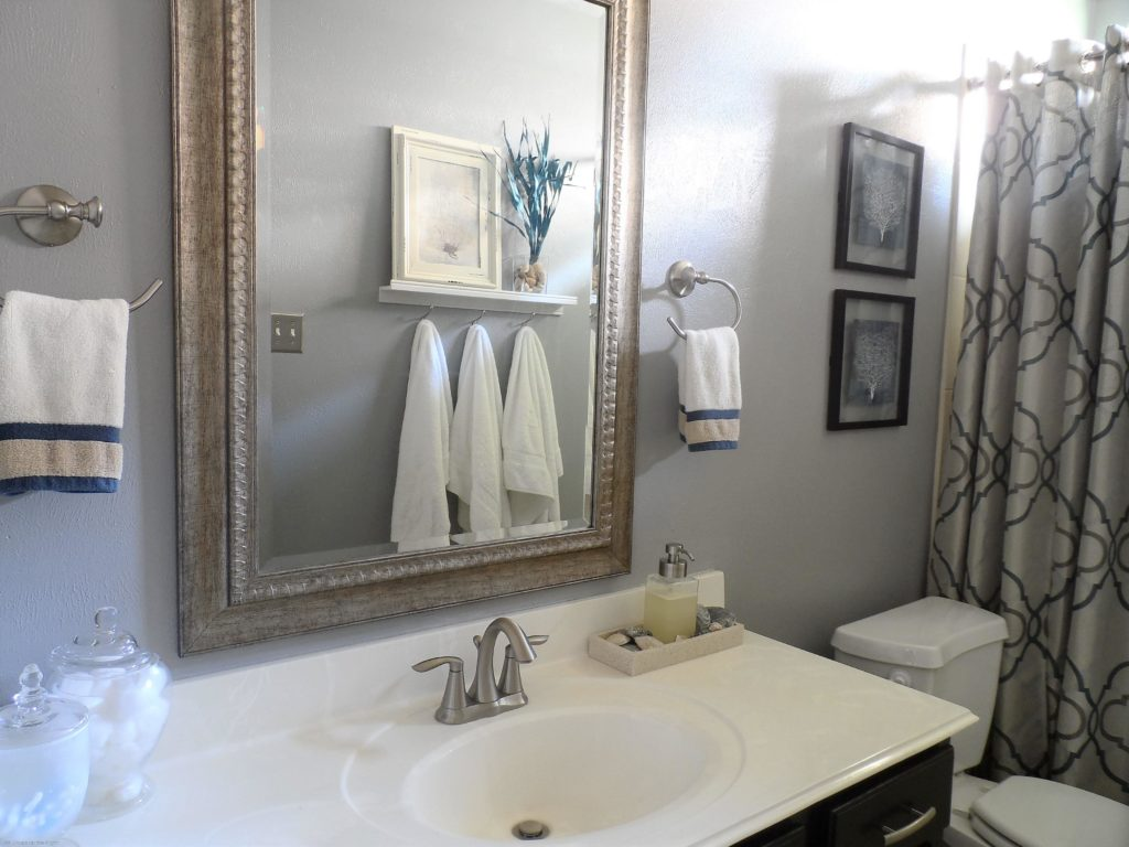 How To Fix 8 Common Bathroom decorating mistakes