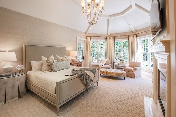 Soothing & relaxing bedroom Design by W Design