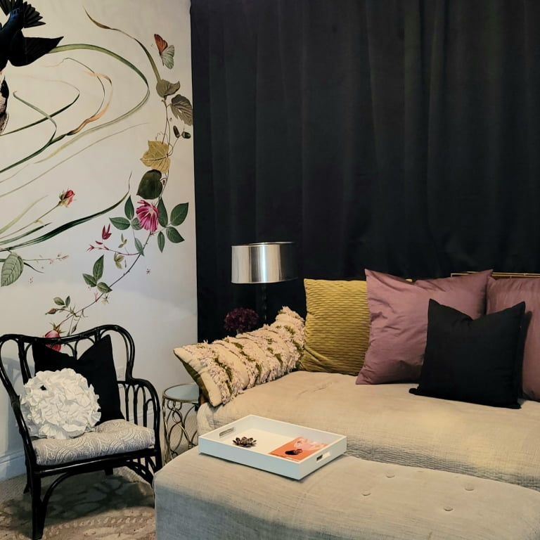 Welcome To The Ladies Lounge – The Big Reveal